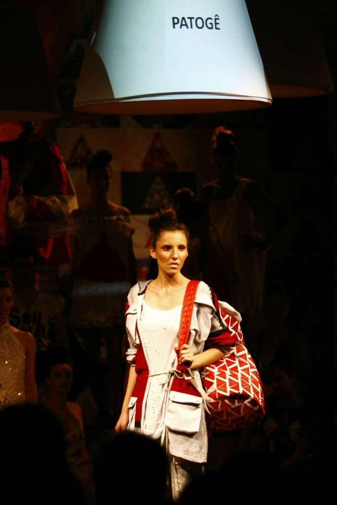 A moda mineira entra em campanha por Anastasia!